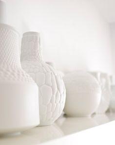 Milieu du siècle en porcelaine blanche mat Reptile Vase / / AK Kaiser / / Modern Home Decor