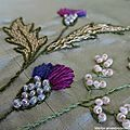 Les chardons brodés Hair Accessories, Floral, Flowers, Beauty, Jewelry, Ribbons, Papillons, Bonjour, Beads