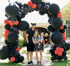 Unicorn Birthday Party - Oh It's Perfect Mickey Mouse Birthday Decorations, Mickey Mouse Theme Party, Mickey Mouse Balloons, Mickey 1st Birthdays, Mickey Mouse First Birthday, Mickey Mouse Clubhouse Birthday Party, 1st Boy Birthday, 1st Birthday Parties, Mickey Mouse Centerpiece