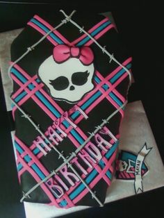 Monster High cake... love the weaving
