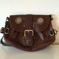 steampunk handbag  http://steampunk-heaven.nl/product/vintage-tas-6/
