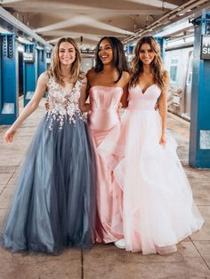 Stunning Prom Dresses, Pretty Prom Dresses, Pink Prom Dresses, Designer Prom Dresses, Homecoming Dresses, Prom Group Poses, Prom Poses, Prom Photography Poses, Prom Picture Poses