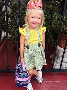 day of preschool outfit lovely desighed dress and Evers smile to mach it Little Girl Outfits, Cute Little Girls, Cute Kids, Cute Babies, Kids Outfits, Savannah Rose, Cole And Savannah, Savannah Chat, Fashion Kids