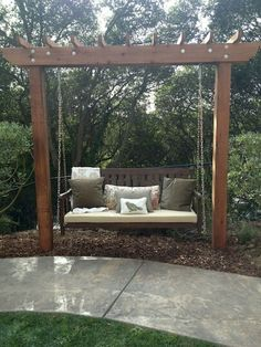 Diy bench seating area for backyard landscaping ideas (13)