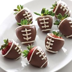 Game Day Strawberries - The Pampered Chef™- I have made these what a cute twist on the classic chocolate covered strawberries.