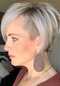 Haley Young Short Hairstyles - 1 Short Bob With Undercut, Short Hair Cuts, Short Hair Styles, White Blonde Hair, Short Hair Trends, Hair Due, Long Pixie, Bob Hairstyles, Pixie Haircuts