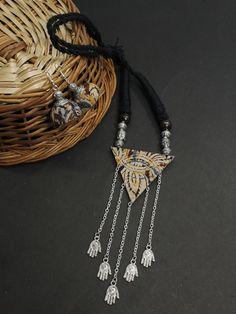 Jewelry Stores Near Me, Jewelry Shop, Fashion Jewelry, Jewelry Design, Jewelry Making, Diy Fabric Jewellery, Textile Jewelry, Gold Jewellery, Jewellery Sale