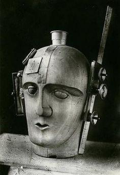 Very early steampunk, perhaps? Raoul Hausmann: The Spirit of Our Age - Mechanical Head, 1919 Photomontage, Hannah Höch, Raoul Hausmann, Bauhaus, Mystique, Steampunk Costume, Art Moderne, Retro Futurism, Art Plastique
