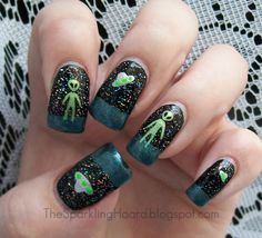 The Sparkling Hoard: Little Green Men: The Details.  alien nail art.  ufo nail art.