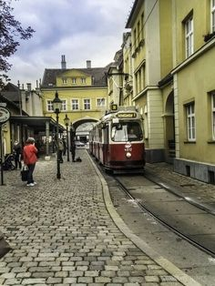 Tips for Visiting vienna austria climate exclusive on travelarize travel site Vienna Austria Hotels, Austria Map, Graz Austria, Vienna Hotel, Visit Austria, Monuments, Carinthia, My Road Trip, Central And Eastern Europe