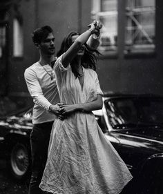 I'm going to share with you a few Fantastic Black and White Photography Gallery Pose Ideas. One of the reasons why this style is extremely popul. Black And White Couples, Black And White Love, Black And White Aesthetic, Photography Gallery, Dance Photography, Vintage Photography, Photography Couples, Romantic Photography, Photography Ideas