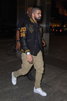 Here is Drake Outfits for you. Drake Outfits pin equals on fashion inspo drake clothing drake. Drake Outfits drake clothes and out. Drake Fashion, Mens Fashion, Mode Streetwear, Streetwear Fashion, Men Looks, Outfit Hombre Casual, Drake Clothing, Black Men Street Fashion, Stylish Mens Outfits