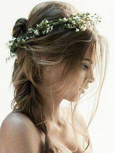 #coiffure #mariage #couronne #fleurs #flou