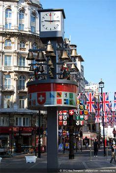 Glockenspiel clock, Leicester Square, London