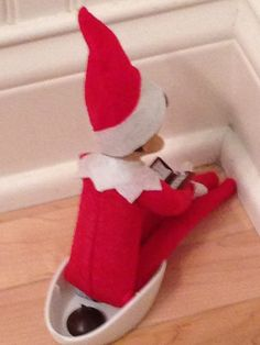 """Elf on the Shelf idea!  A friend of the kids' then ate the """"Hershey kiss"""". They cracked up!"""