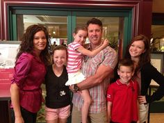 Virl's son Jared with his family wife Heather and children Alexis, Paige, Landon and Jocelyn