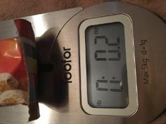 Yoofor Kitch Scale - Easy to use. Press the tare button to calculate the net weight of your ingredient.