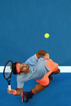 Roger Federer Photos Photos - Roger Federer of Switzerland serves to Alexander Zverev of Germany during the men's singles match on day four of the 2017 Hopman Cup at Perth Arena on January 4, 2017 in Perth, Australia. - 2017 Hopman Cup - Day 4
