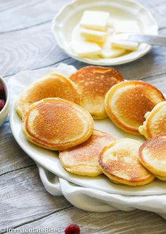 These Southern Johnny Cakes aka Hoe Cakes would be a great alternative to your everyday Breakfast Dishes, Breakfast Recipes, Dessert Recipes, Breakfast Ideas, Pancake Recipes, Breakfast Time, Hoecake Recipe, Johnny Cakes Recipe, Cornmeal Recipes