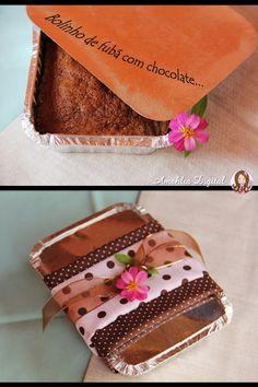 Amehlia Digital: Marmitinha de fubá com chocolate - Guardanapos e flores