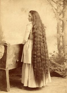 victorian hair. Yowser, can you imagine trying to keep this brushed?? Mom's hair used to be this long.