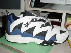 Converse Basketball Shoes, Converse Shoes, Sneakers Nike, Converse Chuck Taylor All Star, Converse All Star, Classic Sneakers, Hot Shoes, Shoe Game, Old School