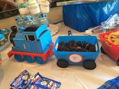 #thomasthetrainparty #thomasthetrain #thomasparty #thomasdesserts #cupcakes #cake #birthday #kidsparty #traincar #coalcar