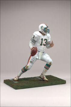 Dan Marino MCFARLANE S SPORTS PICKS  NFL LEGENDS SERIES 3 705f290e9