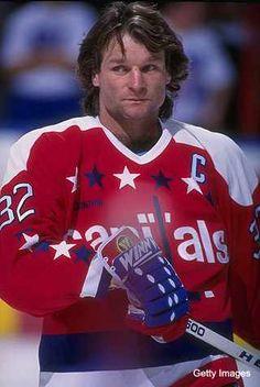 d2e953e94 Dale Hunter Hockey Shot