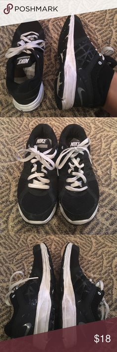 Nike Relentless 2 Sneakers Have been worn a decent amount. A little dirty need to be washed Nike Shoes Sneakers