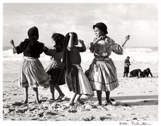"""Bill Perlmutter, Dancing on the Sand, Portugal 1957 """"Europe in the fifties"""" Leiden, Gina Lollobrigida, Isadora Duncan, Old Photographs, Old Photos, Beach Photos, Churchill, Lake Pontchartrain, Pose"""