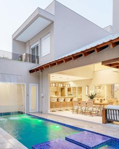 20 Pool Swing for Luxurious Impression in Your Home - Dream Home Design, Modern House Design, My Dream Home, Backyard Pool Designs, Small Backyard Pools, Villa Design, Future House, Small Pool Design, Pool Houses