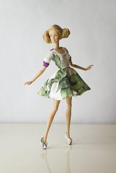 Платье пышное с фонариками и туфли с росписью