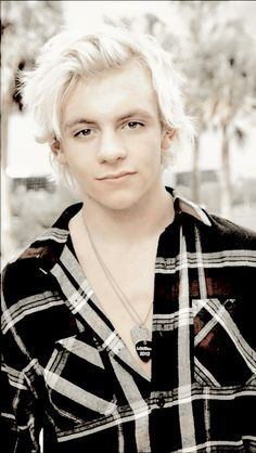 Ross Lynch. Who can not resist his hair?