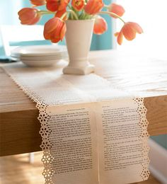 Vintage Old Book Pages Table Runners with Floral Designs. A simple yet chic book page table runners. Table Runners, Book Crafts, Diy And Crafts, Fall Crafts, Simple Crafts, Snowman Crafts, Decor Crafts, Page Table, Book Table