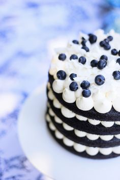 Bare and beautiful – 33 naked bakes for your wedding. – My Something Blue Blueberry Topping, Blueberry Cake, Cake With Cream Cheese, Cream Cake, Passion Fruit Cake, Fondant, Salted Caramel Popcorn, Cake Land, Coffee Buttercream