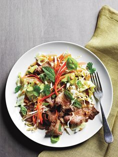 Thinly sliced, perfectly seared steak tops a Thai salad of crunchy cabbage, fresh bean sprouts and fragrant basil and mint herbs. Dinner can be ready in 20 minutes! Salad as a main dish is combines…