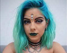 As melhores makes inspiradas em festivais http://votew.in/1tuEeb0 #Makeup #Maquiagem