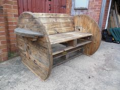 Pallet & cable Drum Bench #Bench, #Pallets