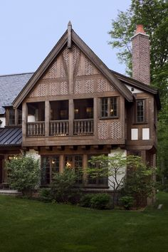 A balcony overlooks the idyllic grounds Neoclassical Architectural Details TraditionalNeoclassical Porch Rear Facade by Wade Weissmann Architecture Inc English House, English Tudor, English Cottages, Plantation Style Homes, Country House Design, Tudor House, Architecture Details, Exterior Design, Beautiful Homes