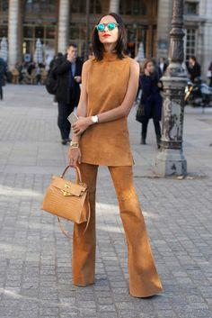 Paris Fashion Week-End Street Style: Furry Accents and Cool Denim - Fashionista Paris Fashion Week, Next Fashion, Love Fashion, Winter Fashion, Womens Fashion, Fashion Tips, Fashion Trends, Color Fashion, Style Fashion