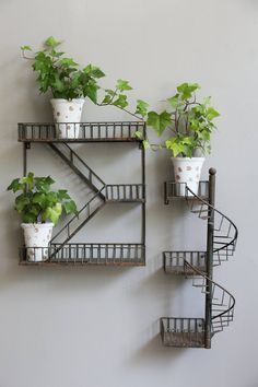 Balcony Wall Hanging Staircase Plant Shelf - Balcony Decoration Ideas in Every U. - Balcony Wall Hanging Staircase Plant Shelf – Balcony Decoration Ideas in Every Unique Detail Best - Iron Furniture, Steel Furniture, House Plants Decor, Plant Decor, Plant Shelves, Wall Shelves, Corner Shelves, Book Shelves, Fire Escape Shelf
