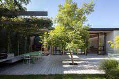 Exterior Patio Area Furniture for Great Houses – Outdoor Patio Decor Outdoor Seating Areas, Outdoor Rooms, Outdoor Gardens, Outdoor Living, Outdoor Decor, Beton Design, Patio Design, Deck Around Trees, Patio Umbrellas