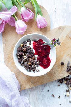 Schoko Nuss Granola Breakfast And Brunch, Kakao, Acai Bowl, Food, Waffles, Chocolate, Brunch Ideas, Oven, Essen