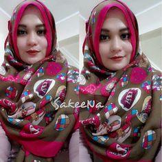 Wearing hijab fashion of SakeeNa #sakeena #sakeenaid #sakeenahijab #hijabeena visit http://www.pinterest.com/hijabeena/