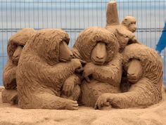 The-Art-Of-Sand-Sculpting ~ Artist unknown.