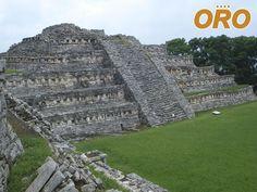 AUTOBUSES ORO. ¿Sabía que las primeras tribus que se asentaron en lo que hoy es Puebla, llegaron en el año 10,000 a.C.? Se han encontrado rastros de tribus nómadas que con el paso de los años y con el descubrimiento de la agricultura y el comercio, dieron paso a las culturas Totonacos, Mazatecos, Otomíes, etc. Que fueron las civilizaciones que le dieron identidad a cada zona del estado. Le invitamos a empaparse de la maravillosa historia del Estado de Puebla. viajando con Autobuses Oro.