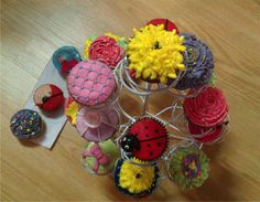 Notre cours de cupcakes Cupcakes, School Shopping, Desserts, Food, Tailgate Desserts, Cupcake, Deserts, Eten, Cupcake Cakes