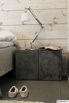 makuuhuone,skandinaavinen,harmaa,yöpöytä,yksityiskohtia