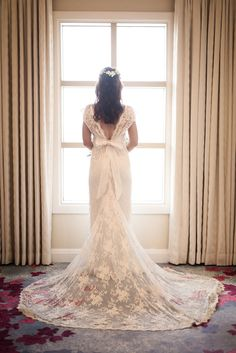 Anna Campbell Bridal Eloise aDress | Hand-embellished beaded lace wedding dress | Vintage inspired wedding dress for old hollywood bridal glamour! Incredible lace bridal train | Low back capped sleeve and silk bow
